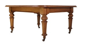 English, c.1870, golden oak wind out dining table on carved baluster legs with three extension leaves.  Ideal to fit the family around at Christmas!  Visit our website for full details, link in bio.  #antiqueinteriors #interiordesign #interiordecoration #interiordecorator #Uplands #antiquesdealersofinstagram #interiorstyling #interiorinspiration #antiques #antiquesaregreen #Herefordshire #interiordecorating #antiquesforsale #interiors #antiquedecor #antiquesandcollectables #Wellingtonheath #Ledbury
