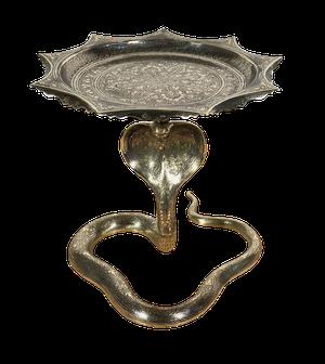 Embossed Brass Hooded Cobra Tazza